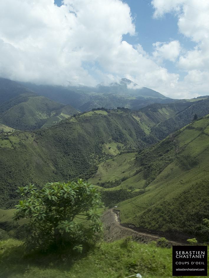 En quittant Quito...